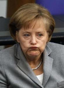 Momento en el que Angela Merkel recibe la noticia.