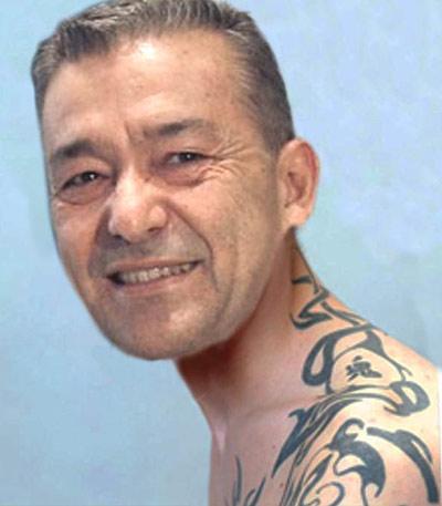 El Presidente del Gobierno canario transmitiendo carisma justo después de la sesión de tatuaje.