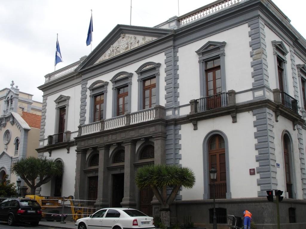 Ayuntamiento_Santa_Cruz_de_Tenerife-1