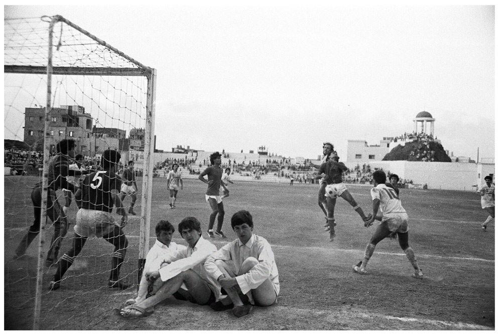 Paul, Ringo y George, asistiendo a un encuentro de fútbol en el Puerto de la Cruz.