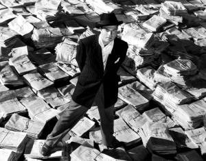 """Se rumorea que en una parte perdida del metraje de """"Ciudadano Kane"""", Orson Welles abordaba los intentos de W. Randolph Hearst por introducir esta técnica en sus periódicos."""