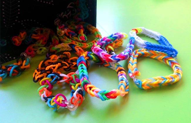 La Agencia Tributaria actúa contra la venta de pulseritas de goma entre escolares