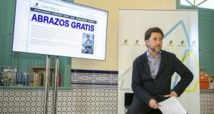 Carlos Alonso presenta su nueva acción de campaña consistente en abrazar a todos los tinerfeños