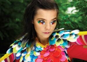 Las tendencias carnavalescas de Björk son bien conocidas y podrían animarla a venir a Canarias.
