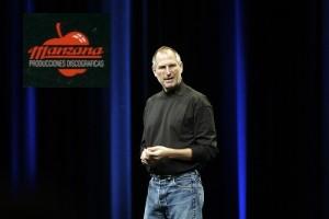 Jobs ensayando su nunca realizada keynote de Discos Manzana.