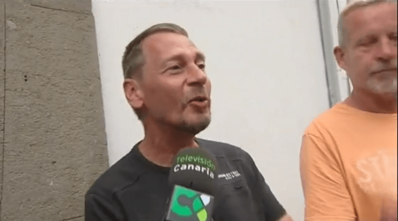 Klaus Schmidt y Otto Albach fueron captados por las cámaras de la Televisión Canaria momentos antes de ser raptados por el Ayuntamiento